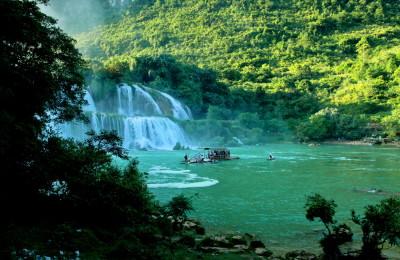 Ba Be lake in Bac Kan