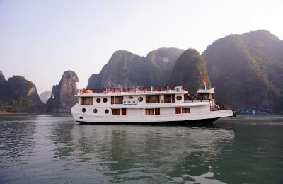 Oriental sail overviews