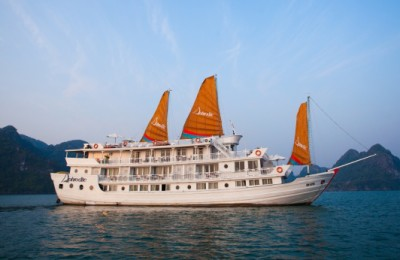aphrodite Cruise in halong bay
