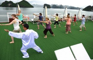 starlight cruises tai chi halong bay